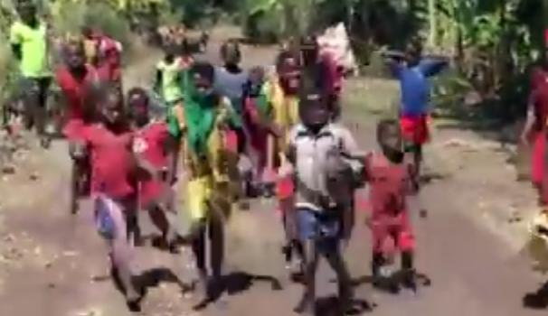 Portiamo acqua pulita a Otila Wolaris |  Video e articolo per la scuola primaria